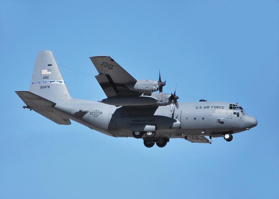 جميع صفقات طائرات النقل C-130 العراقيه ..........متجدد - صفحة 2 HighRollers%2079-0478%202009-03-27