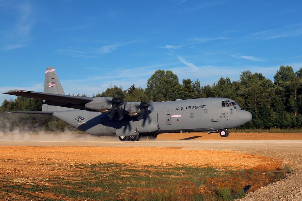 C130 landing strip photo 975